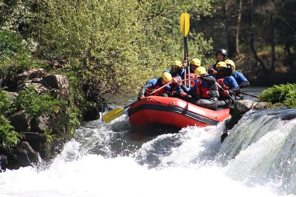 river rafting in river